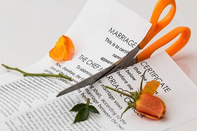 divorce-619195_960_720.jpg