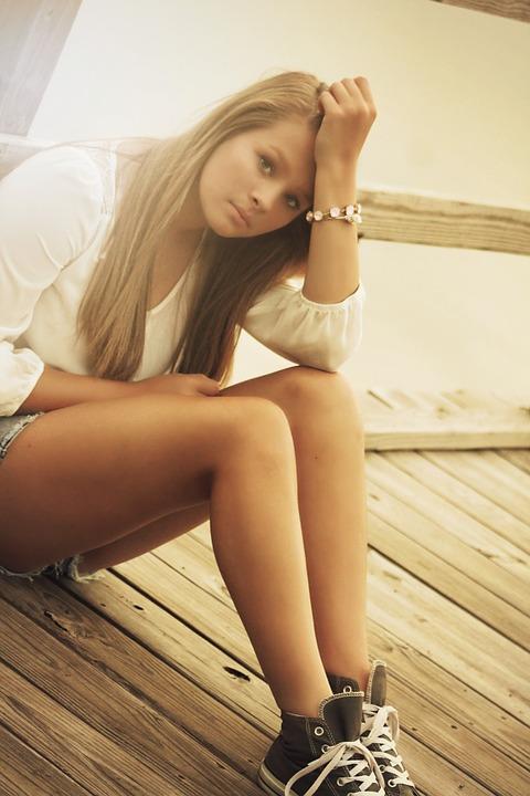 girl-375114_960_720.jpg