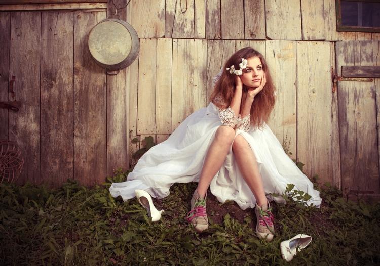 BeautifulLonelyGirl.jpg