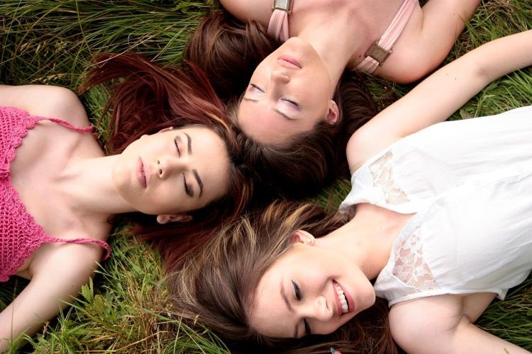girls-1487825_960_720.jpg