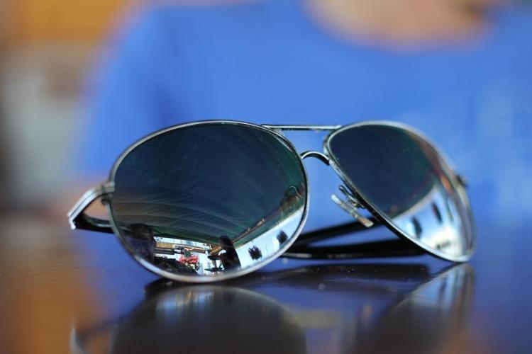 sunglasses-1284594_960_720.jpg